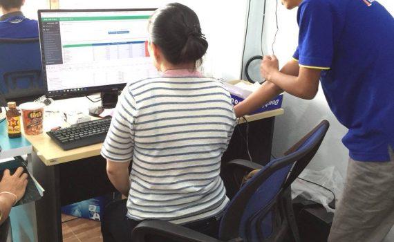 โปรแกรมร้านค้าปลีก ค้าส่ง ราคา 2,000 บาท ใช้งานง่าย บริการหลังการขายฟรี โปรแกรมร้านค้าปลีก ค้าส่ง โปรแกรมขายหน้าร้าน ร้านขายของชำ อันดับ 1 ของไทย ที่มีร้านค้าใช้มากที่สุด มีครบทั้ง ระบบขายสินค้า สต๊อกสินค้า, บาร์โค้ด, บัญชี, รายงานยอดขาย , ส่วนลด ฯลฯใช้งานง่าย ไม่จำกัดจำนวนสินค้า บริการหลังการขายฟรีตลอดชีพ