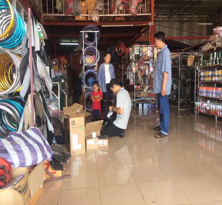 โปรแกรมขายหน้าร้าน 2,000 บาท ใช้งานง่าย ใช้ได้จริง พัฒนาโดยฝีมือคนไทย 100% ครับ สามารถดูรายละเอียดต่างๆ ได้ที่